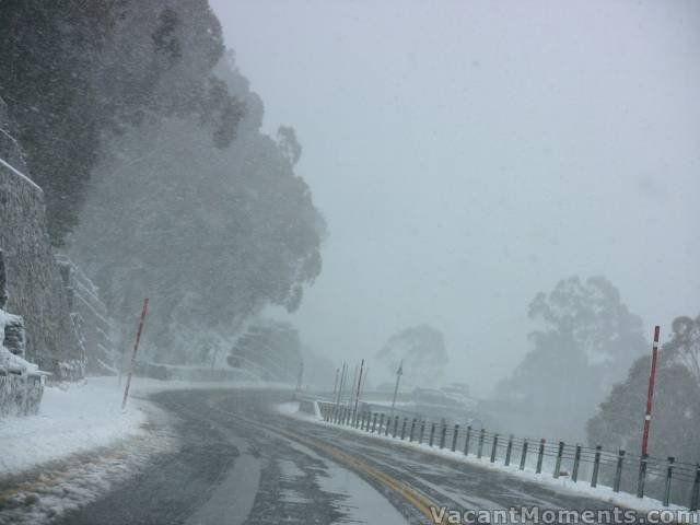 Blizzard above Thredbo late on Thursday morning