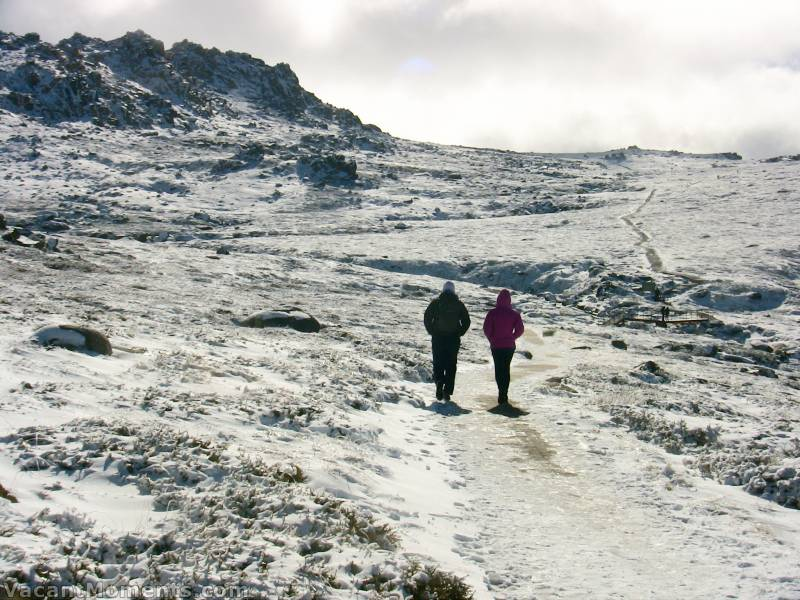 Taking an afternoon stroll towards Mt Kosciuszko<BR>The snow was cold and dry - not icy and slippery as I suspected